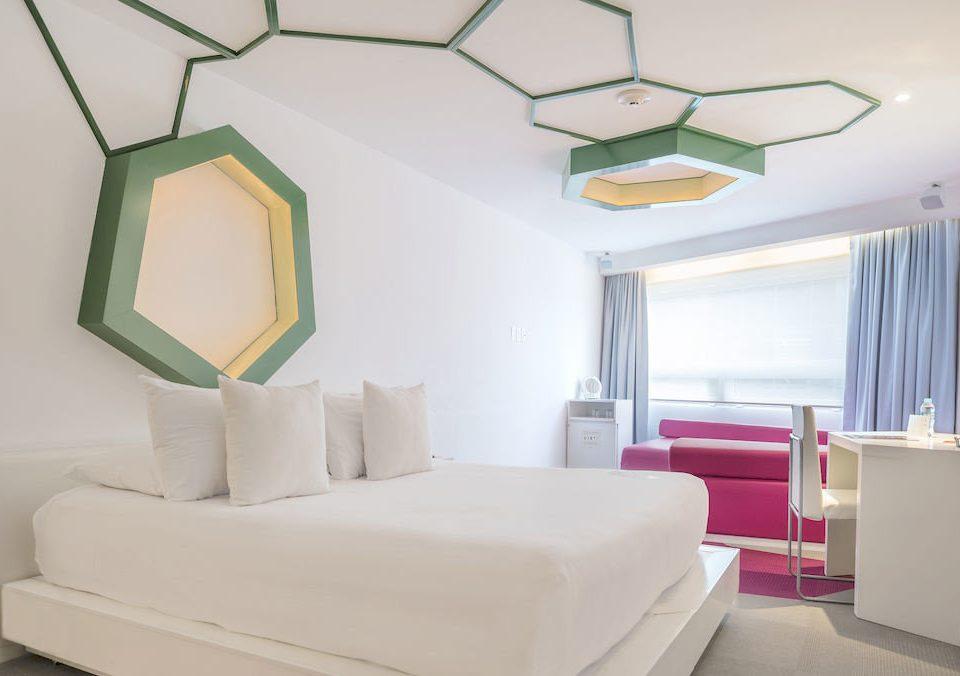 Bedroom Hip Hotels property living room Suite cottage