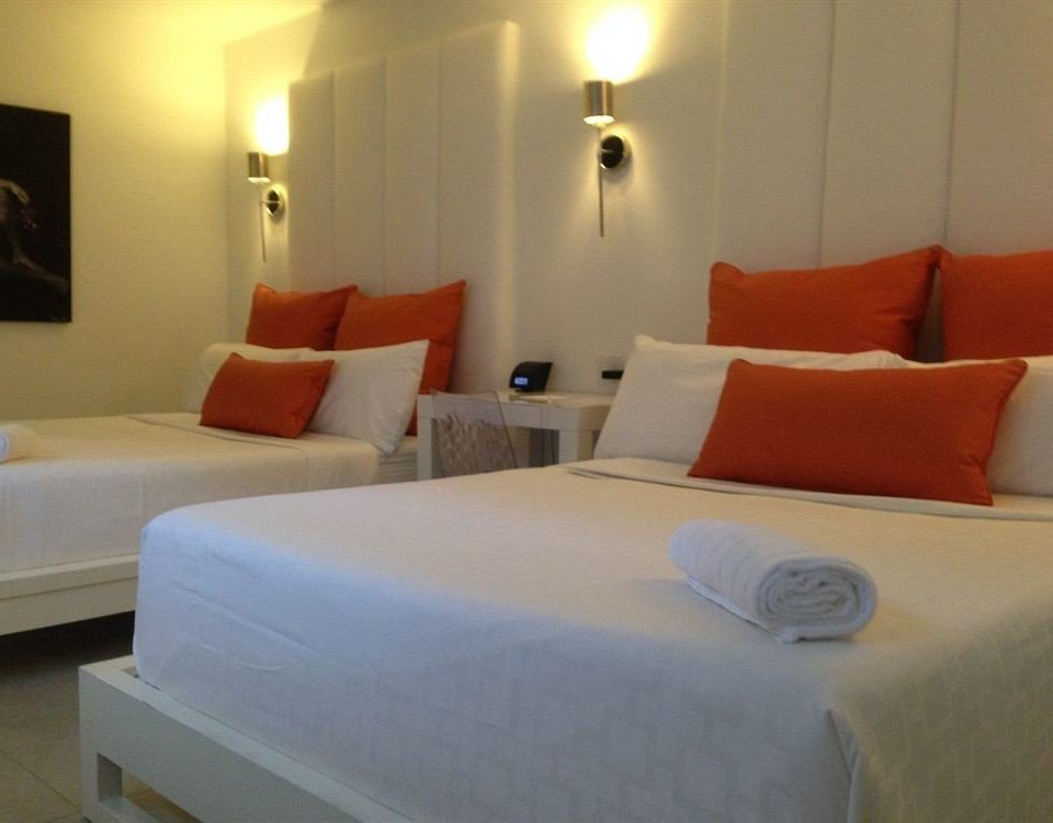 Bedroom Hip Lounge Modern Romantic Suite sofa property cottage orange Inn