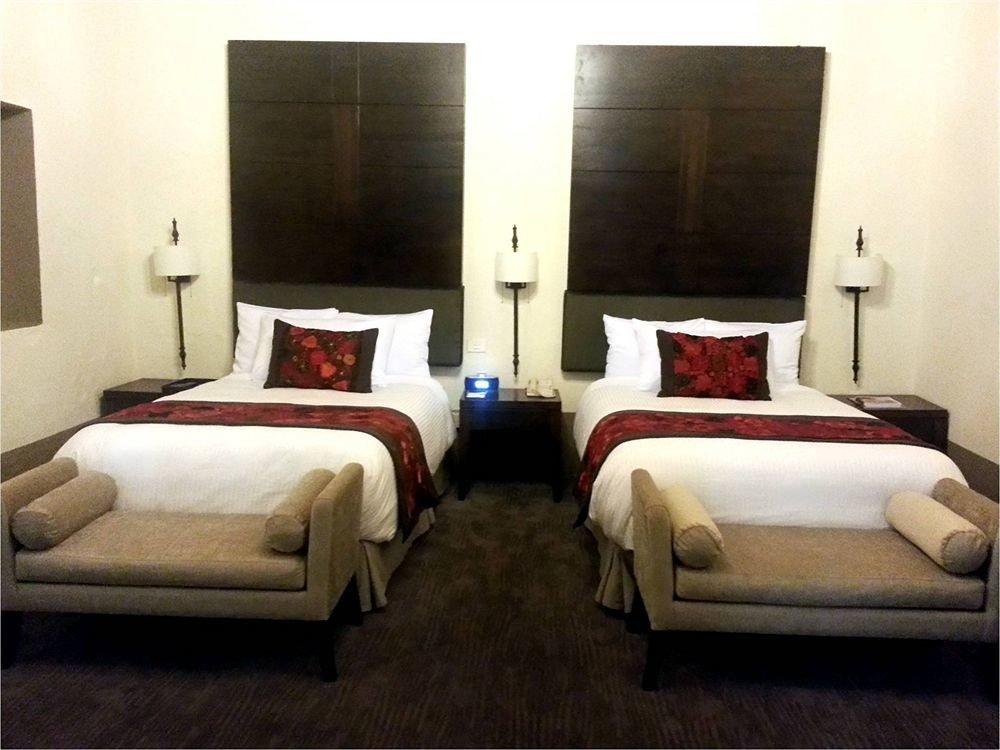 Bedroom Hip Luxury Modern Romantic Suite property cottage bed sheet Inn