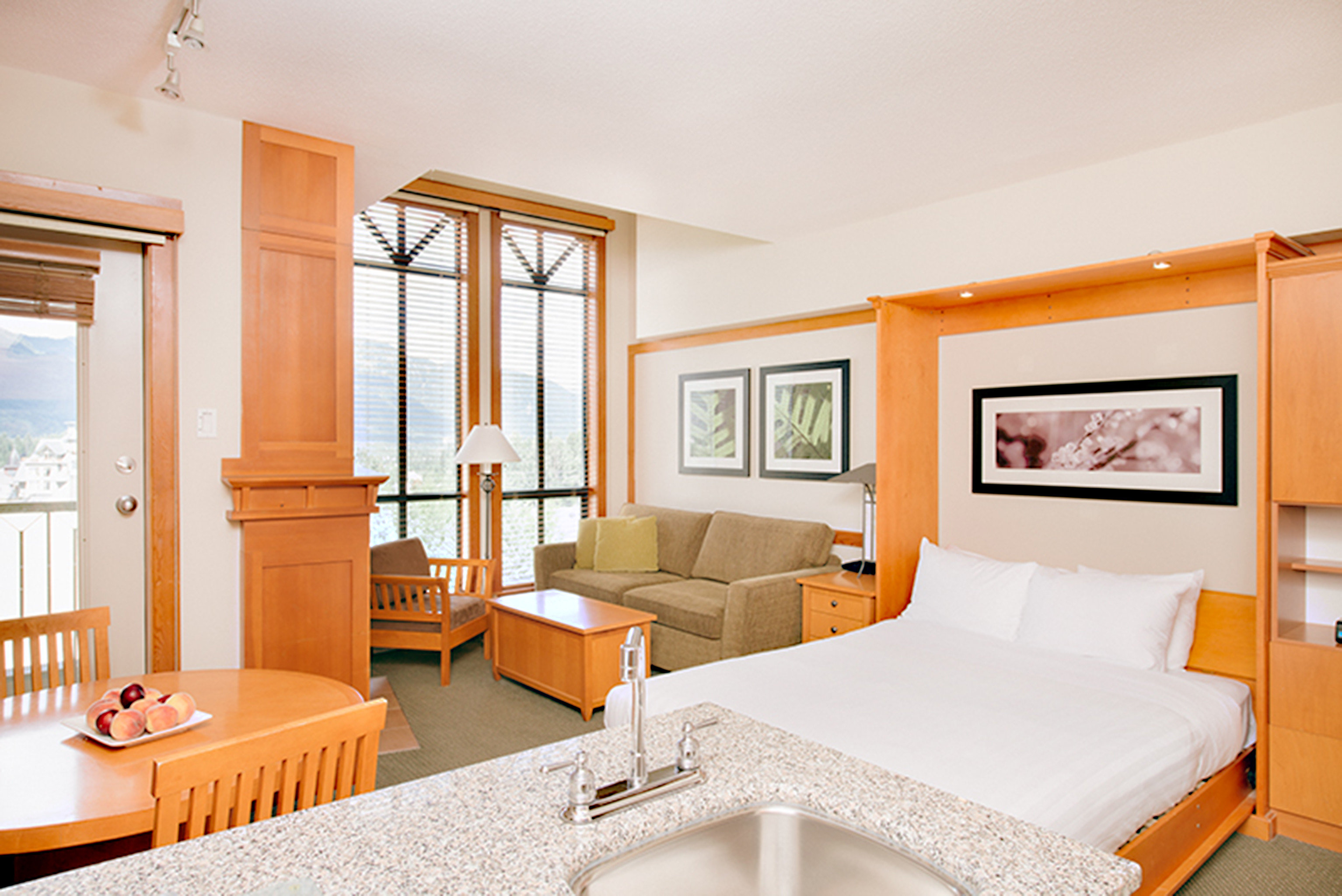 Bedroom Hip Kitchen Scenic views Suite property cottage condominium living room home Villa
