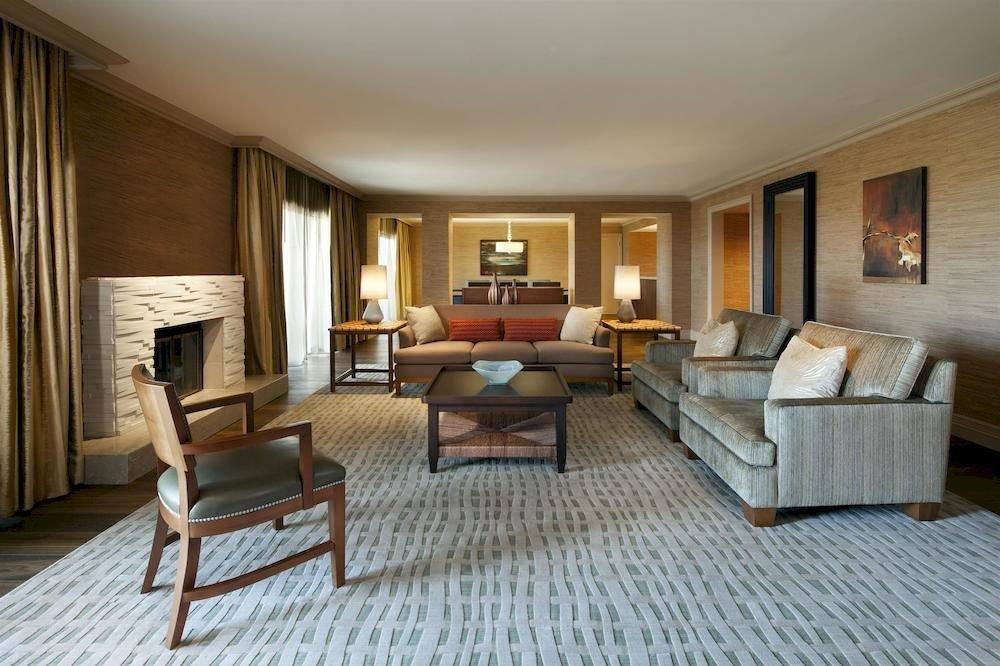 Hip Lounge Luxury Modern sofa property living room Suite hardwood home cottage condominium Villa wood flooring Bedroom