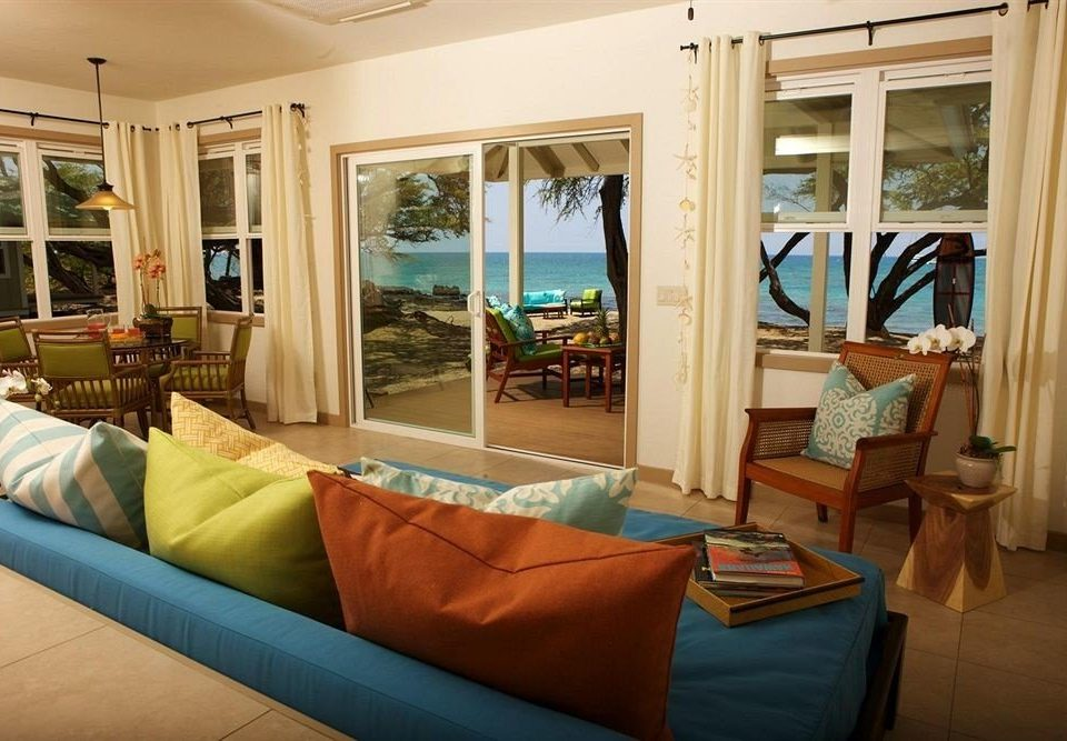Hip Lounge Luxury Tropical sofa property living room home Bedroom cottage Suite condominium pillow Villa