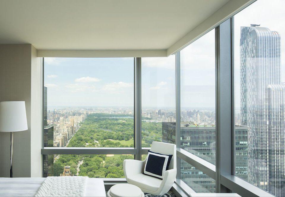 Bedroom Hip Lounge Luxury Suite property condominium overlooking home daylighting living room