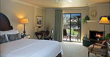 Bedroom Hip Lounge Luxury Suite sofa property cottage Resort Villa