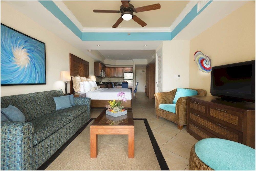 Hip Lounge Luxury Modern Scenic views property green cottage home living room Bedroom Villa condominium Suite Resort