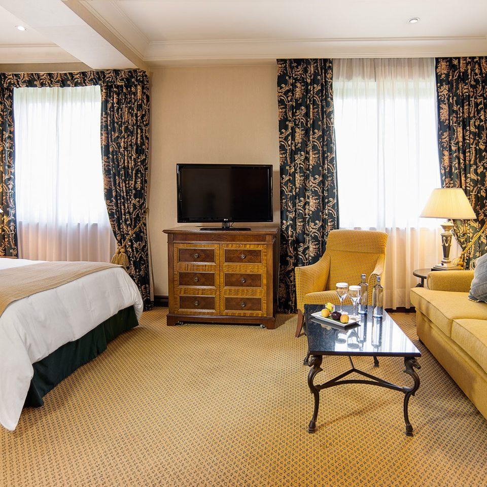 Bedroom Hip Lounge Luxury Modern Suite sofa property scene living room home cottage lamp