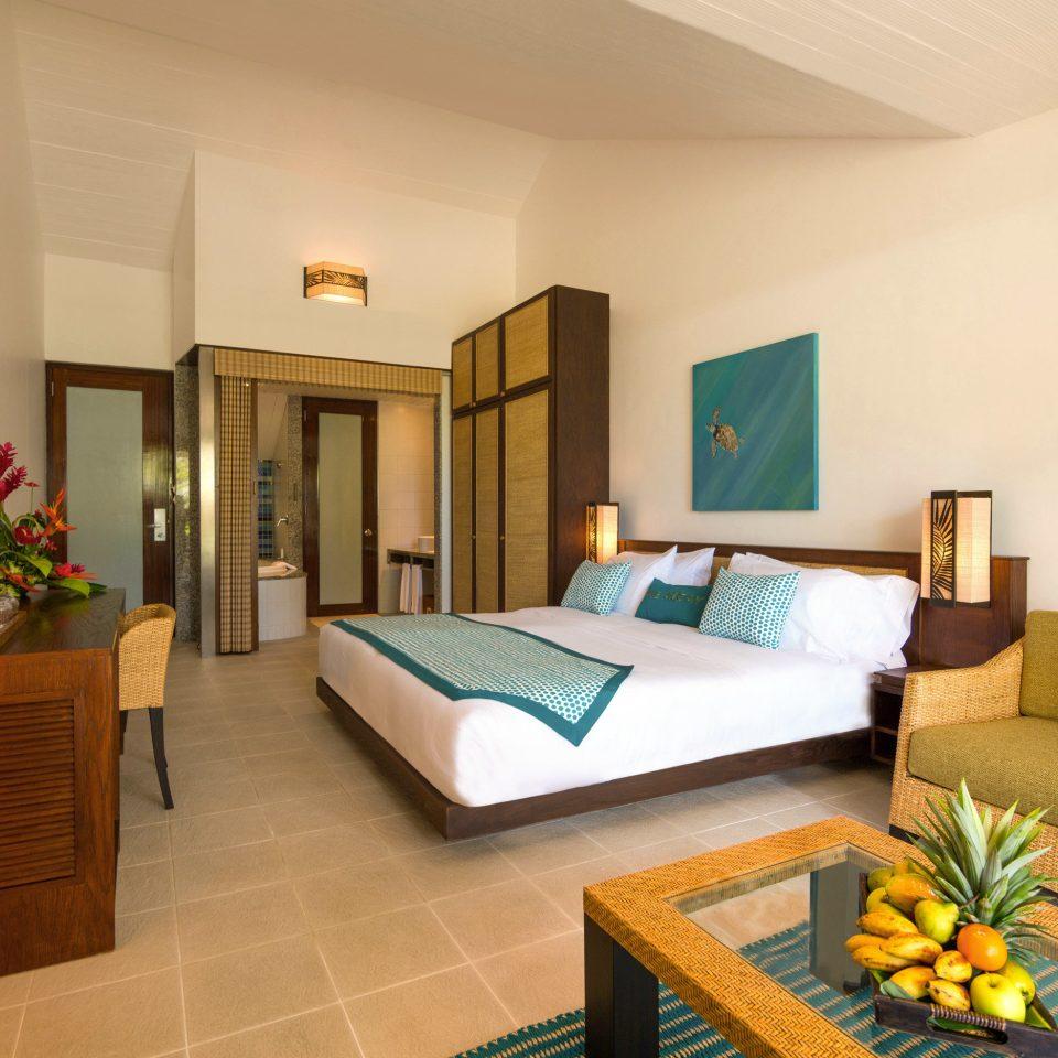 Bedroom Hip Lounge Suite property condominium Villa living room cottage home Resort