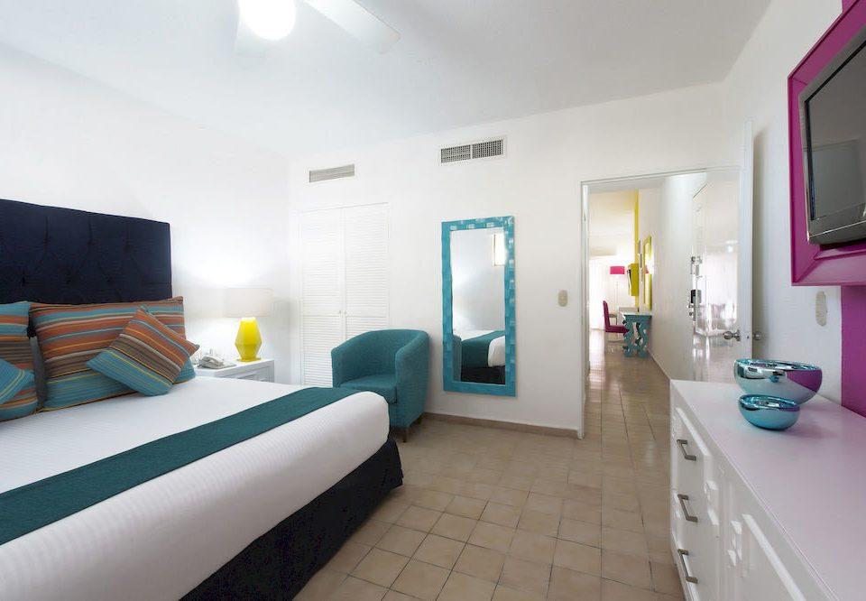 Bedroom Hip Luxury Modern Patio Scenic views Suite property green condominium