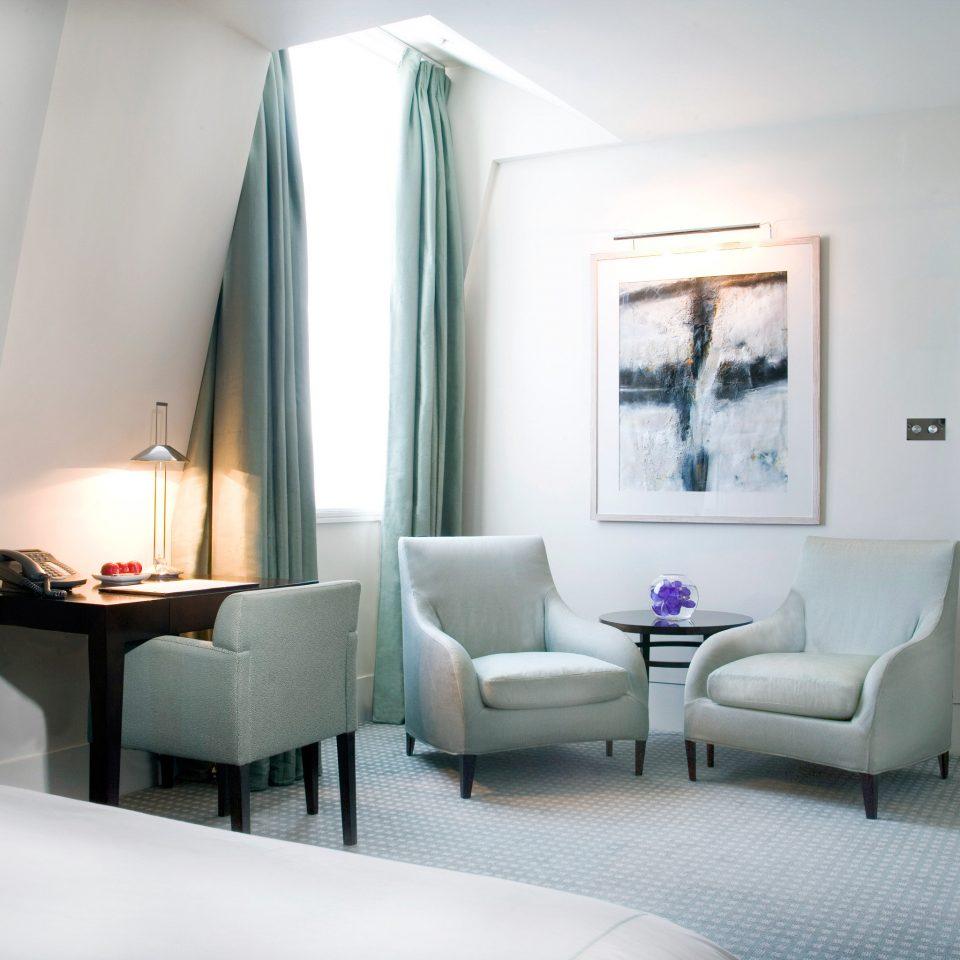 Bedroom Hip Luxury Modern Suite property living room home condominium