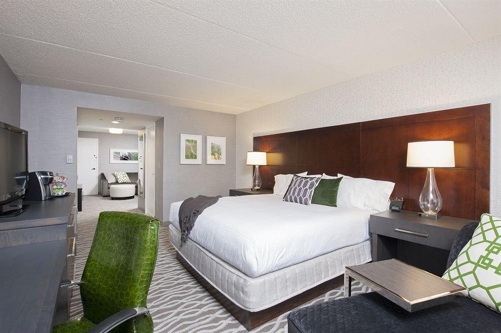 Bedroom Hip Luxury Modern Suite green property condominium home living room Villa cottage