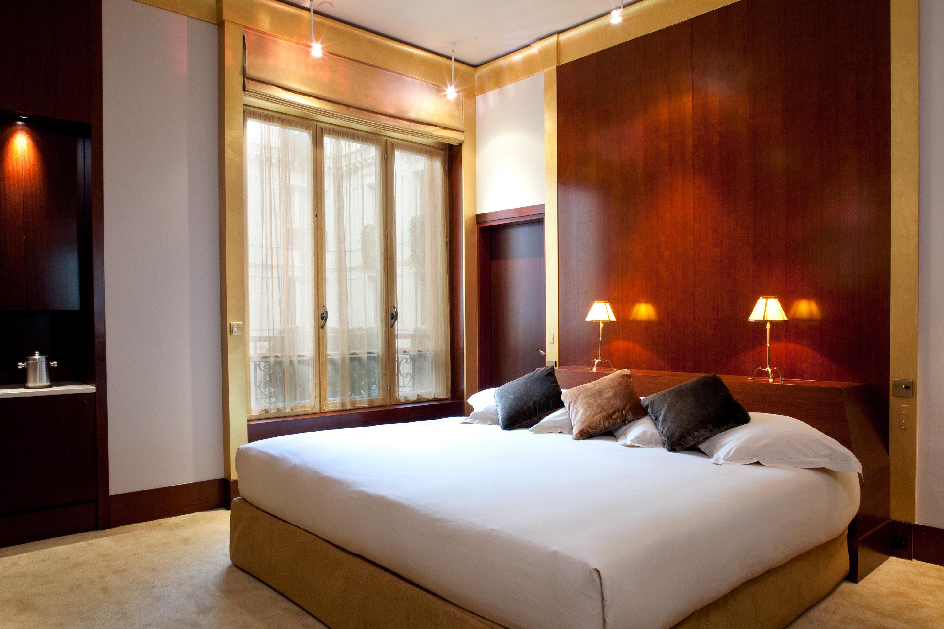 Bedroom Hip Luxury Modern Suite property