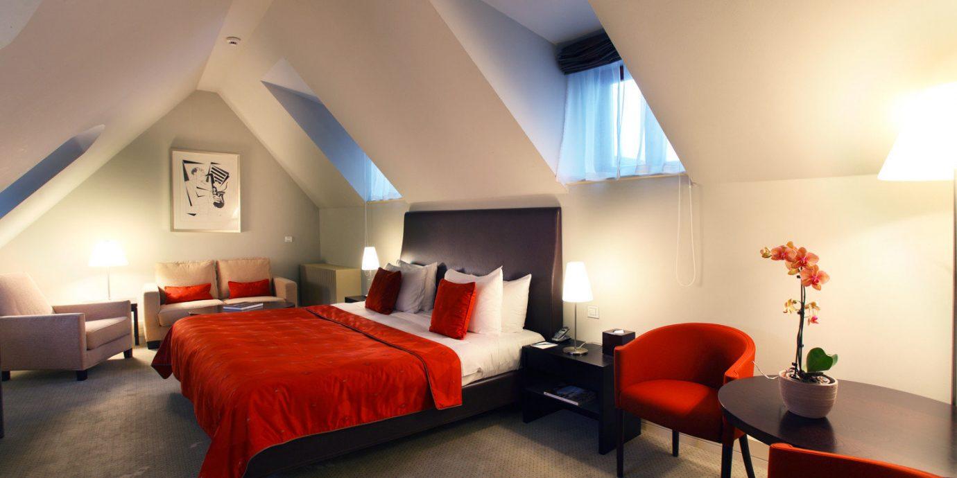Bedroom Hip Luxury Modern Suite red property living room orange flat lamp