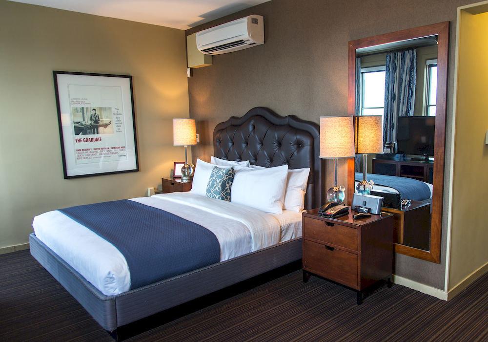 Bedroom Hip Luxury Modern Suite property cottage bed frame