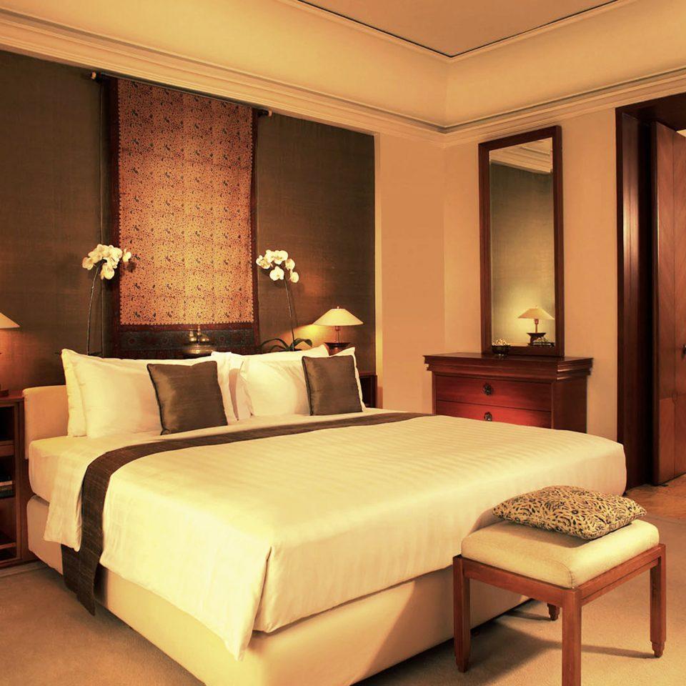 Bedroom Hip Luxury Modern Suite property lamp flat