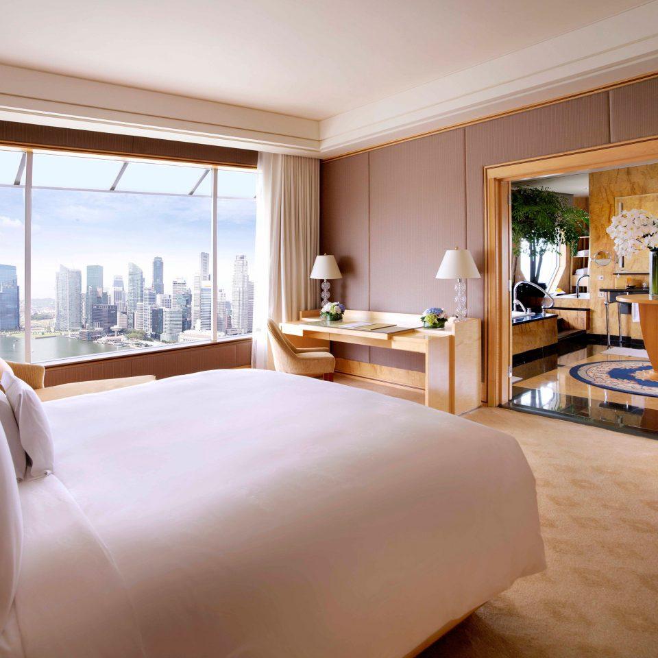 Bedroom Hip Luxury Modern Scenic views Suite sofa property home hardwood living room condominium cottage