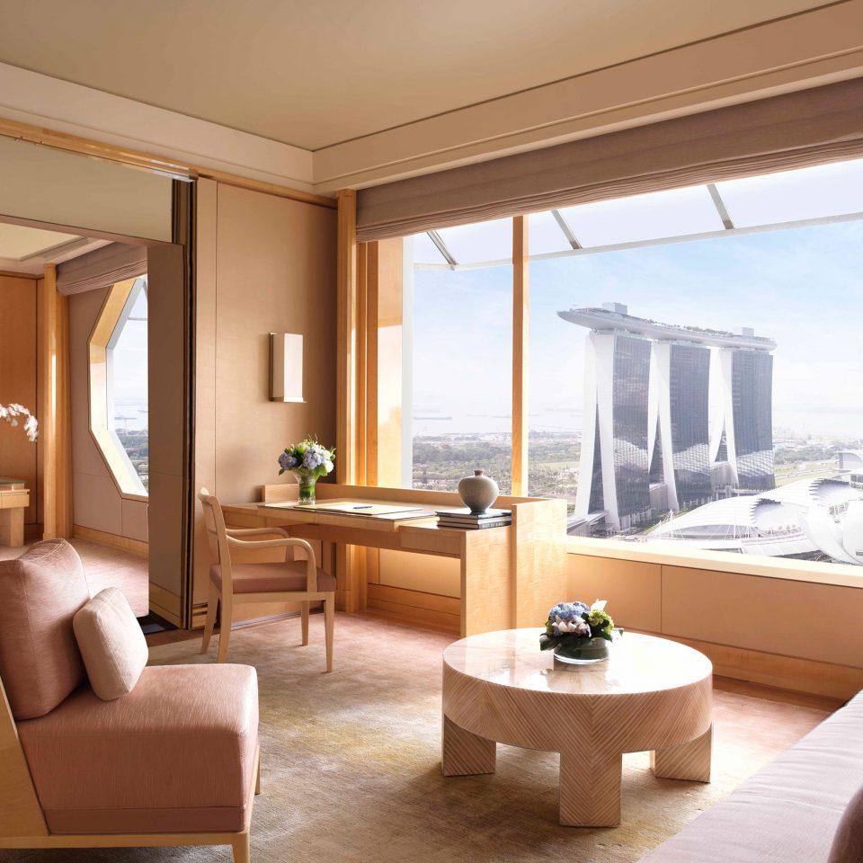Bedroom Hip Luxury Modern Scenic views Suite sofa property living room home condominium Villa cottage flat