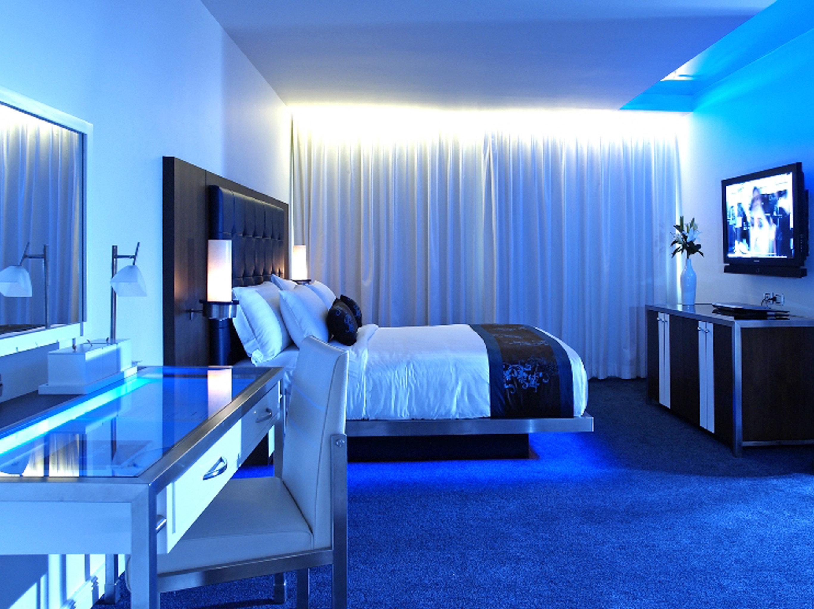 Bedroom Hip Luxury Modern Suite property living room blue flat