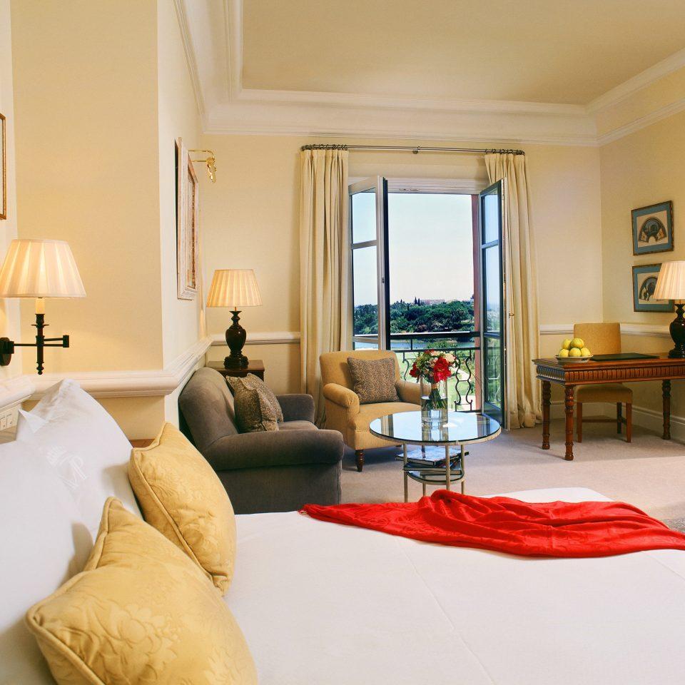 Bedroom Hip Luxury Modern Romantic Scenic views Suite sofa property living room home condominium cottage Villa pillow
