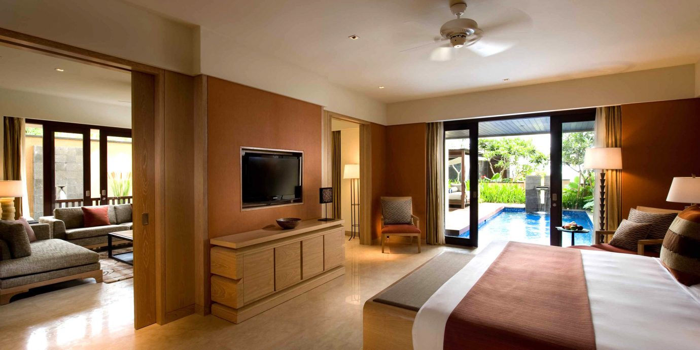 Bedroom Hip Luxury Modern Suite property living room home condominium hardwood Villa cottage flat