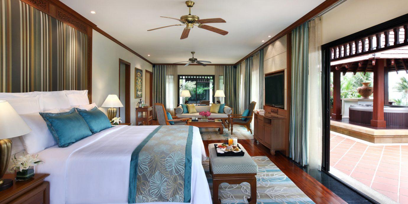 Bedroom Hip Luxury Modern Suite sofa property Resort home mansion living room Villa cottage condominium