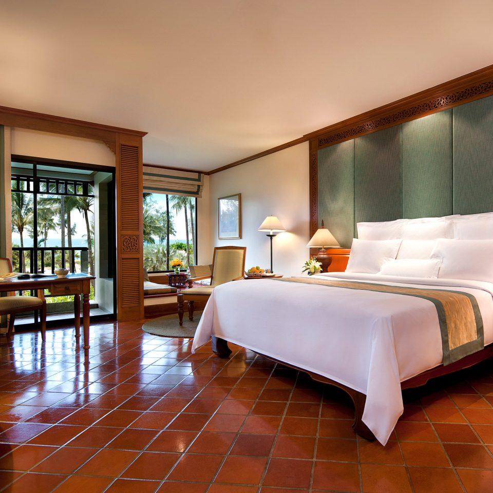Bedroom Hip Luxury Modern Suite property living room hardwood home condominium Villa wood flooring mansion