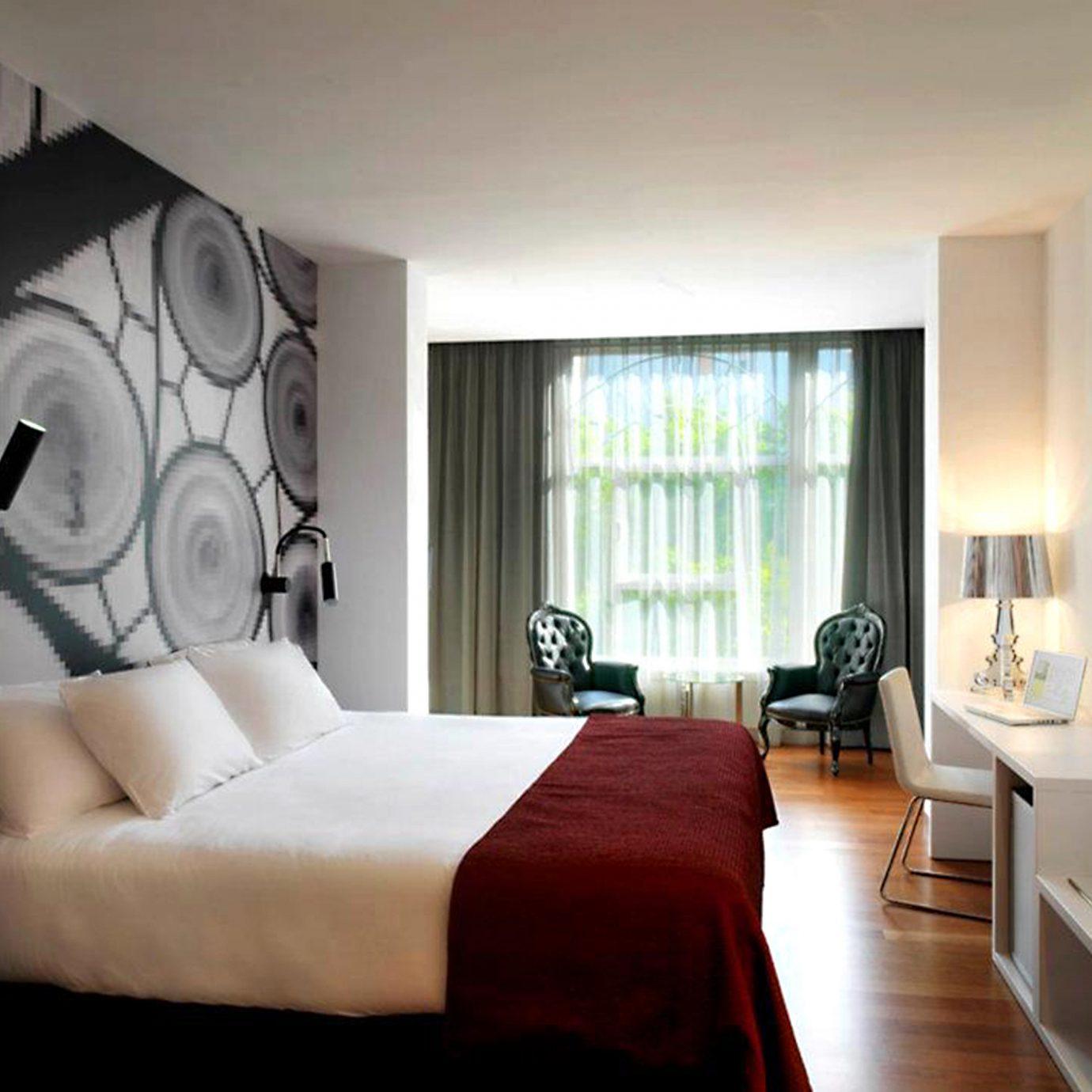 Bedroom Hip Luxury Modern Scenic views Suite sofa property living room home condominium