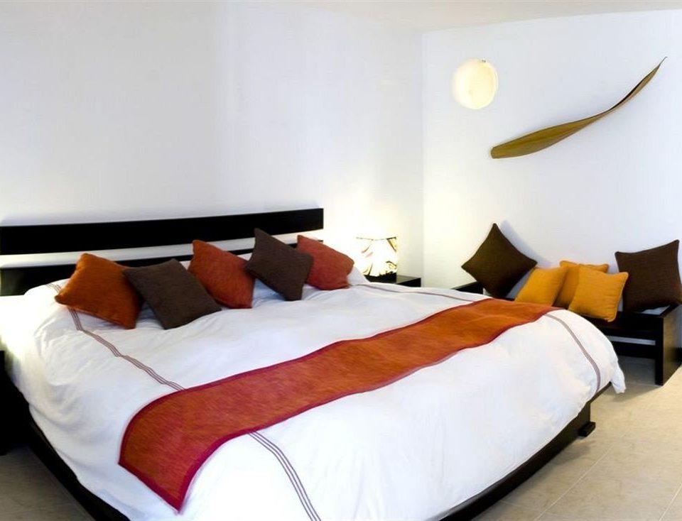 Bedroom Hip Luxury Modern Romantic Suite property bed sheet bed frame orange