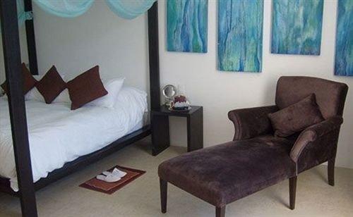 Bedroom Hip Luxury Modern Romantic Suite property cottage living room