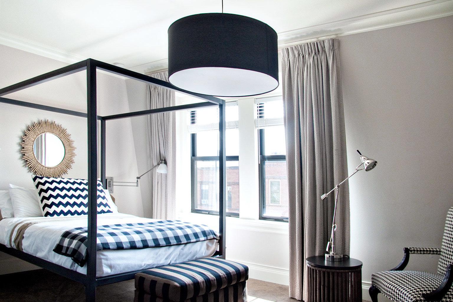 Bedroom Hip Luxury Modern Scenic views Suite property living room home lamp