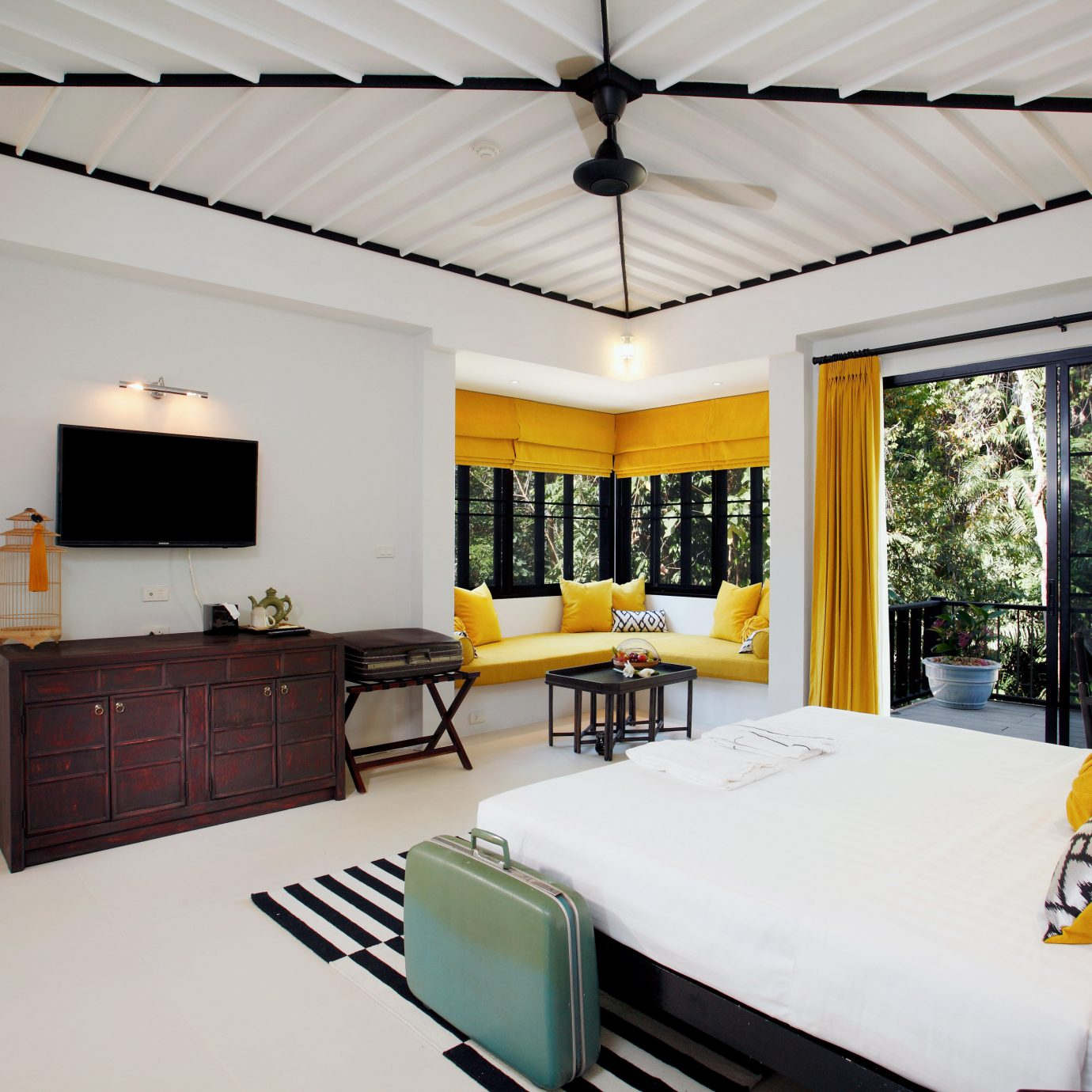 Bedroom Hip Luxury Modern Suite property home Villa cottage living room condominium