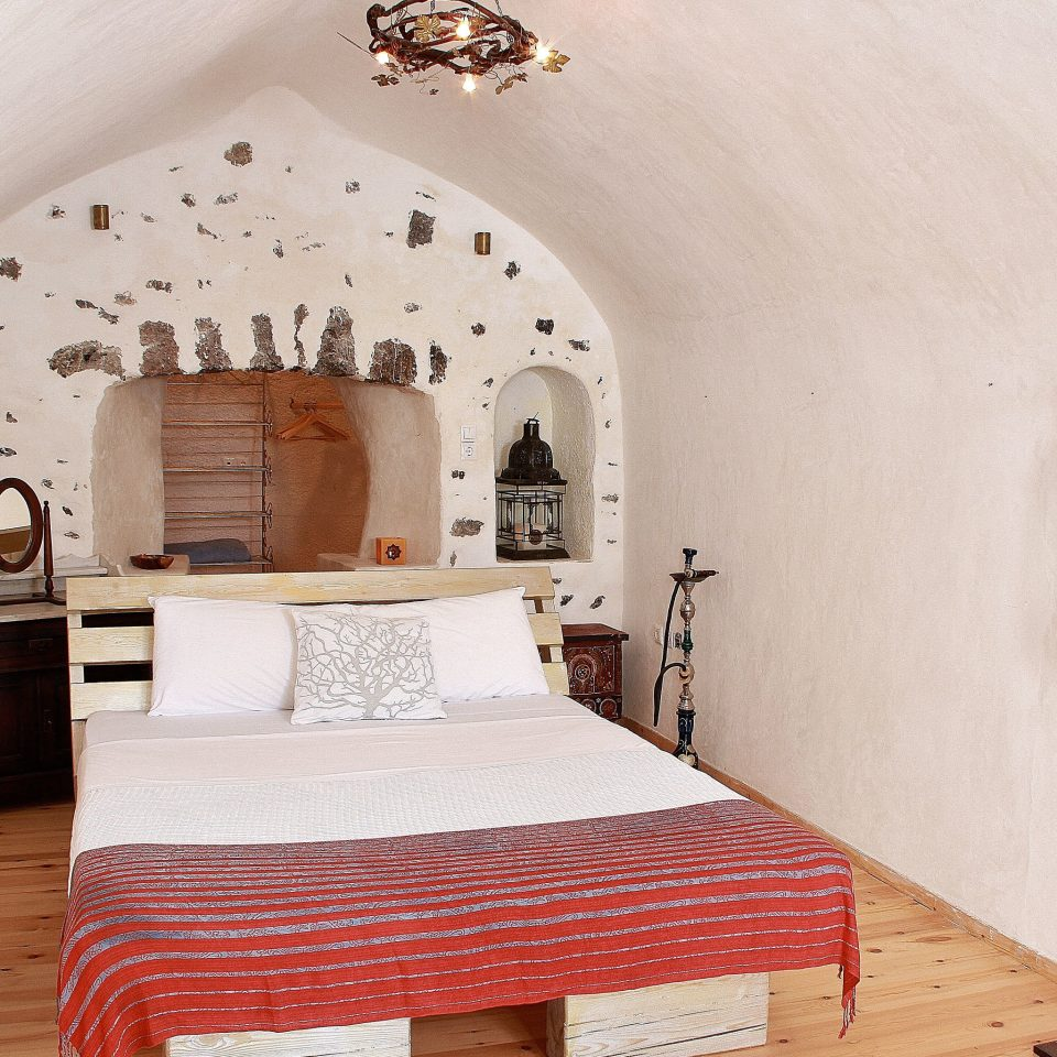 Bedroom Hip Luxury Modern Suite property cottage home farmhouse bed frame Villa