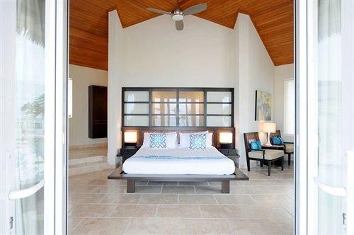 Bedroom Hip Luxury Modern Romantic Scenic views Suite property building living room home hardwood cottage farmhouse Villa wood flooring loft door
