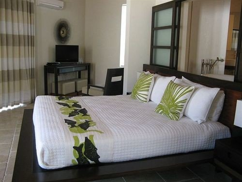 Bedroom Hip Luxury Modern Romantic Scenic views Suite property cottage condominium bed sheet bed frame