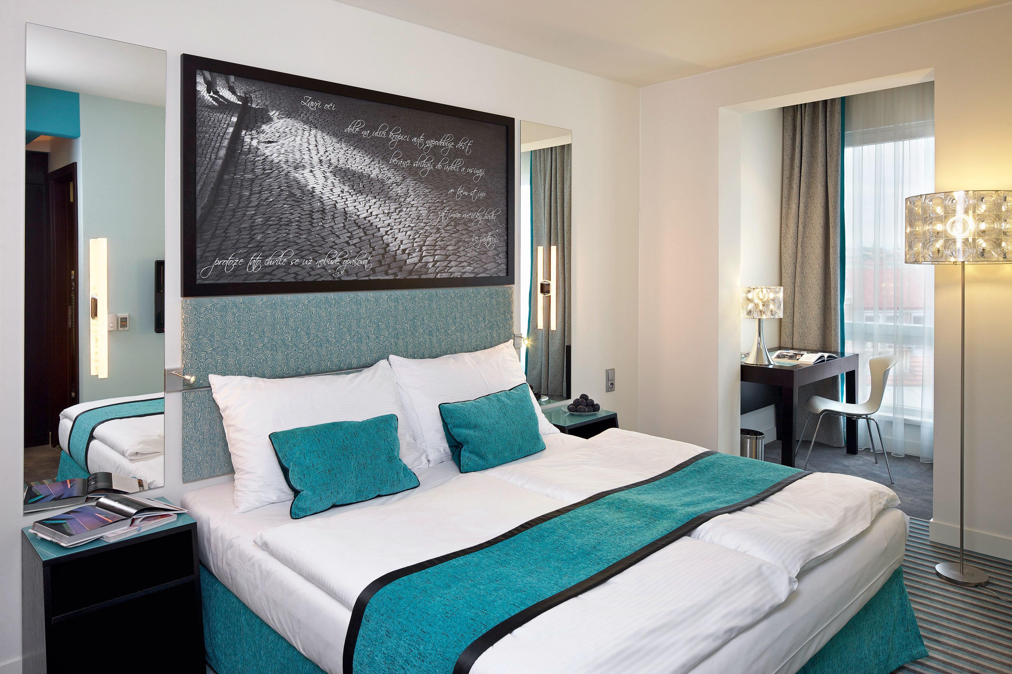 Bedroom Hip Luxury Suite property green scene pillow condominium bed sheet Modern painting