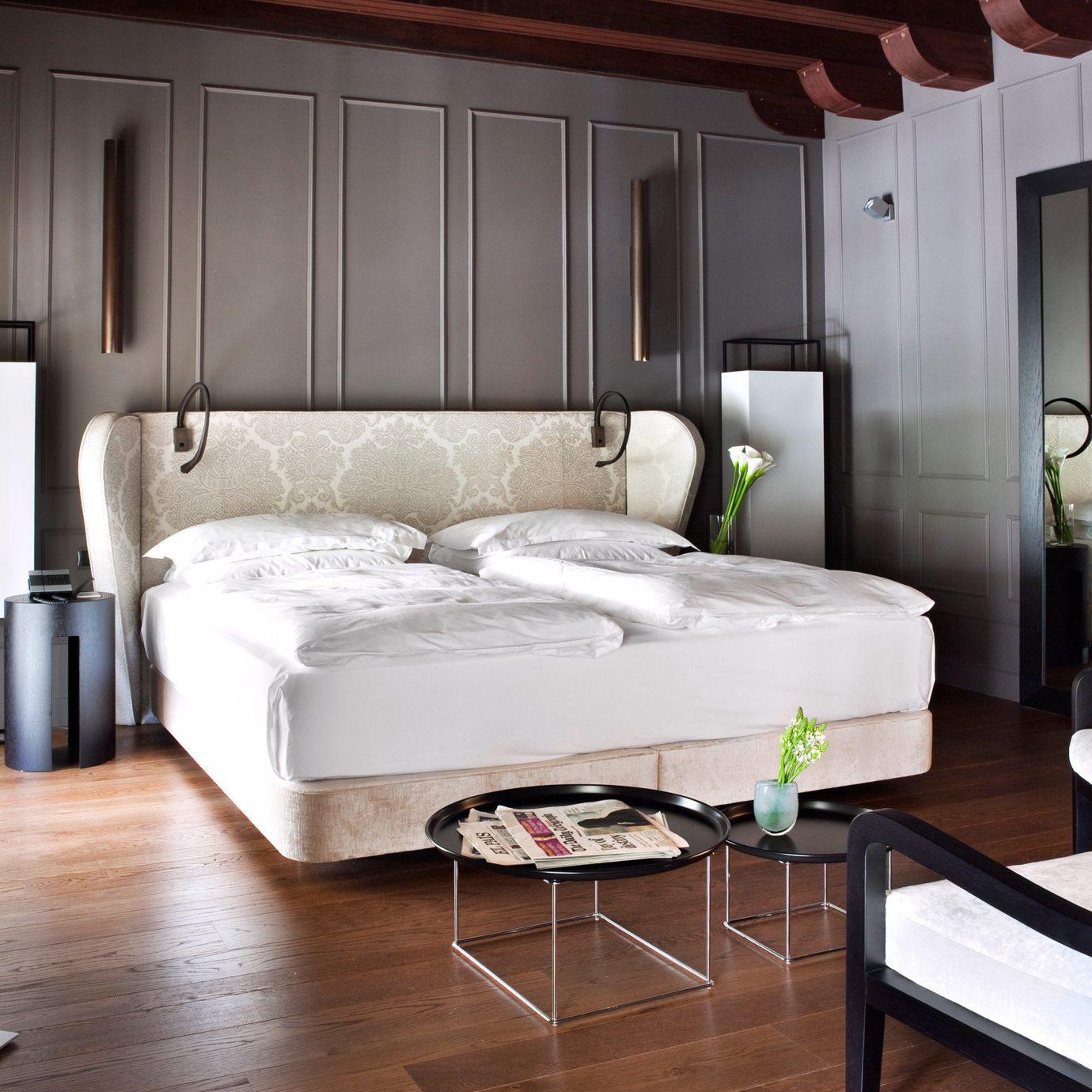 Bedroom Hip Luxury Modern Suite property living room home cottage bed frame
