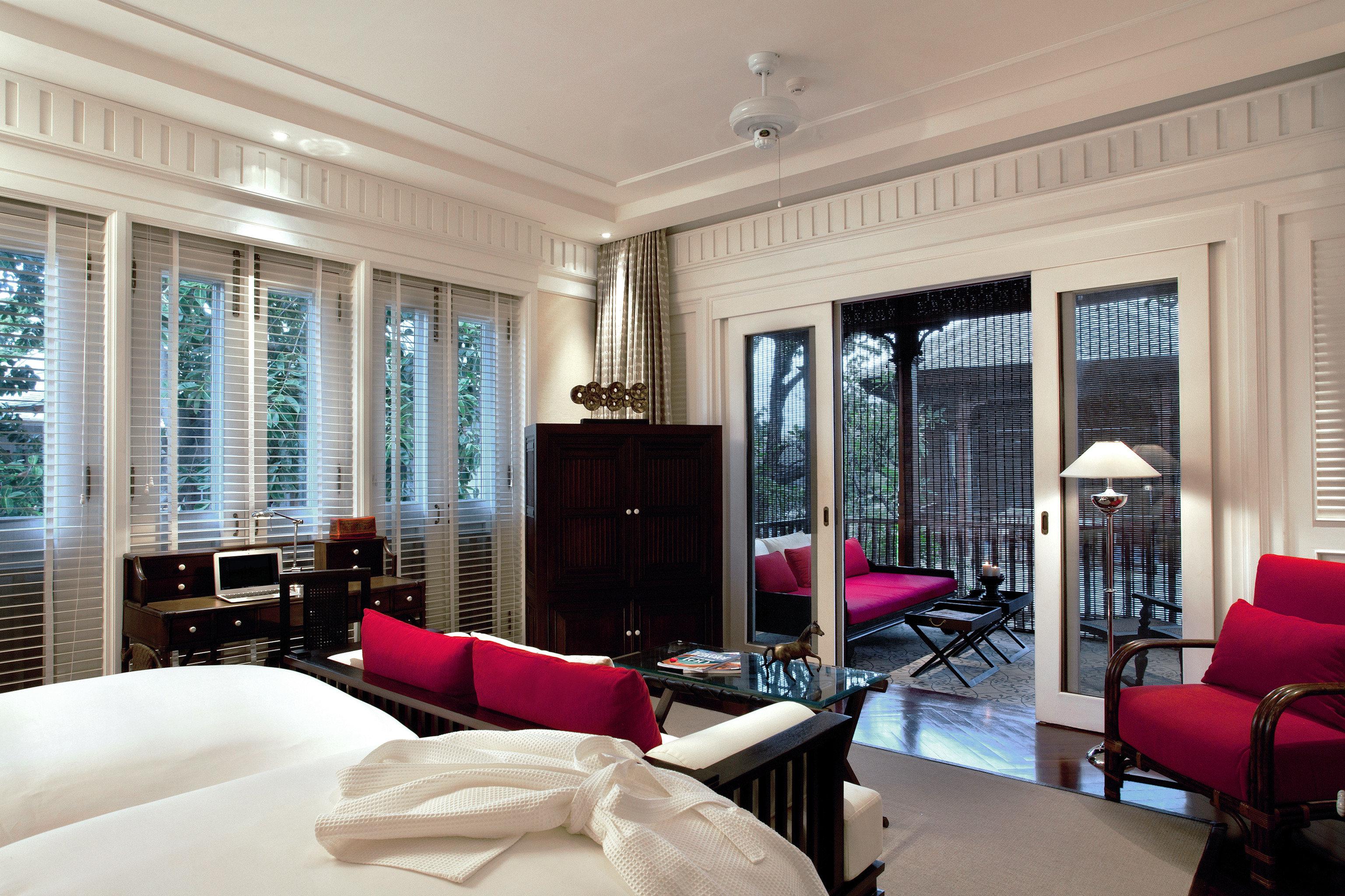 Bedroom Hip Luxury Modern Suite sofa property living room red condominium home mansion nice flat