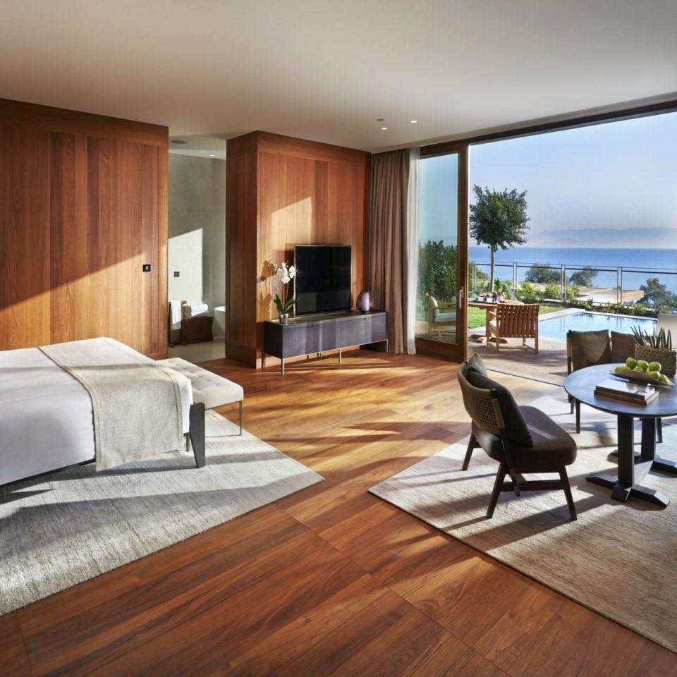 Bedroom Hip Luxury Modern Romantic Scenic views Suite property living room building hardwood home condominium wood flooring flooring laminate flooring