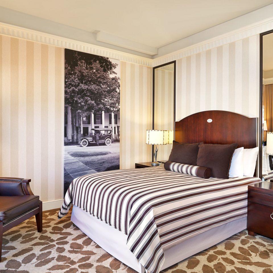 Bedroom Hip Luxury Modern Suite sofa property home living room bed sheet cottage