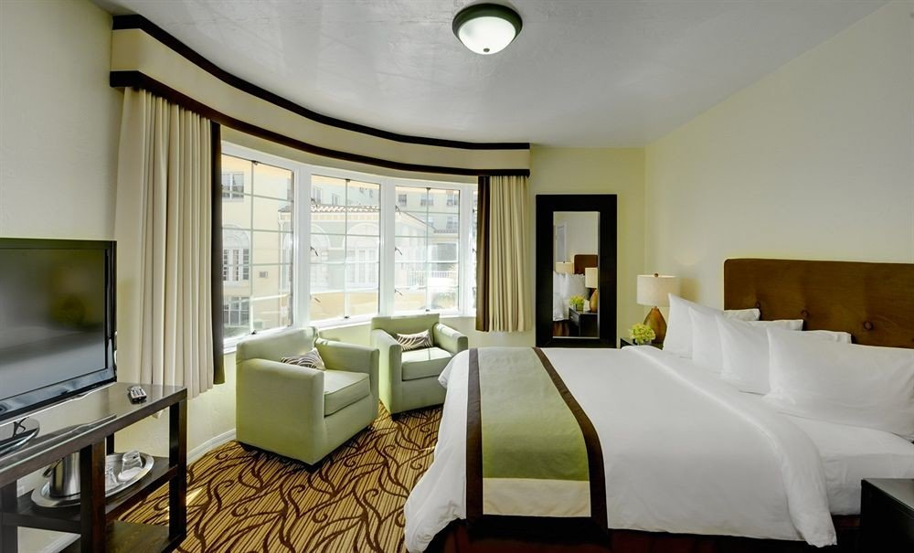 Bedroom Hip Luxury Modern Suite property condominium living room home Villa cottage