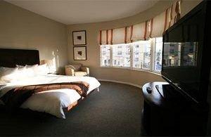 Bedroom Hip Luxury Modern Suite property cottage