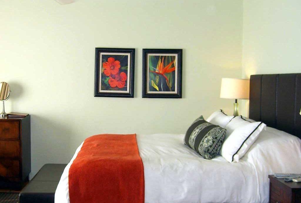 Bedroom Hip Luxury Modern Suite sofa property red cottage home living room bed sheet orange