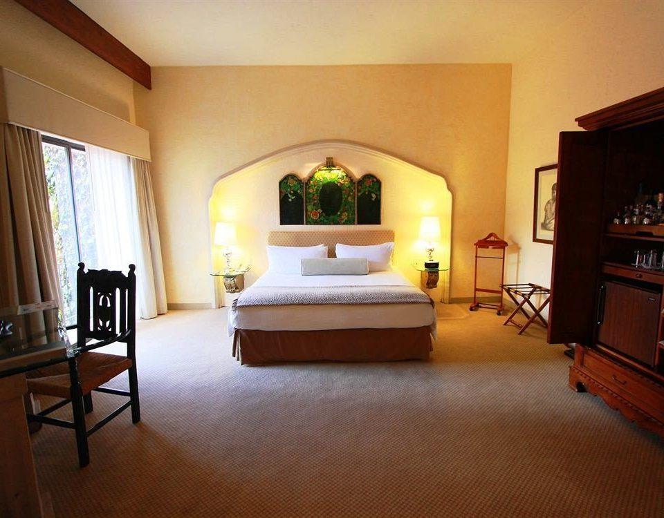 Bedroom Hip Luxury Modern Suite property home hardwood living room cottage Villa wood flooring lamp