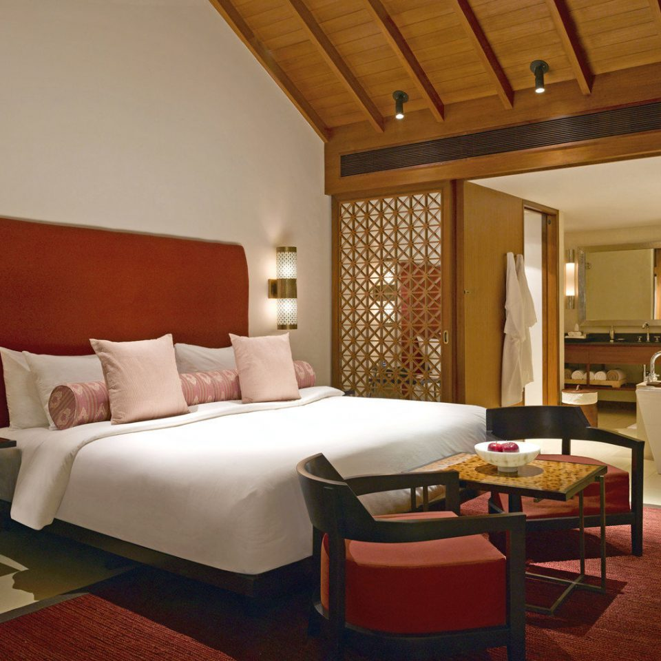 Bedroom Hip Luxury Scenic views Suite property living room cottage Villa Resort