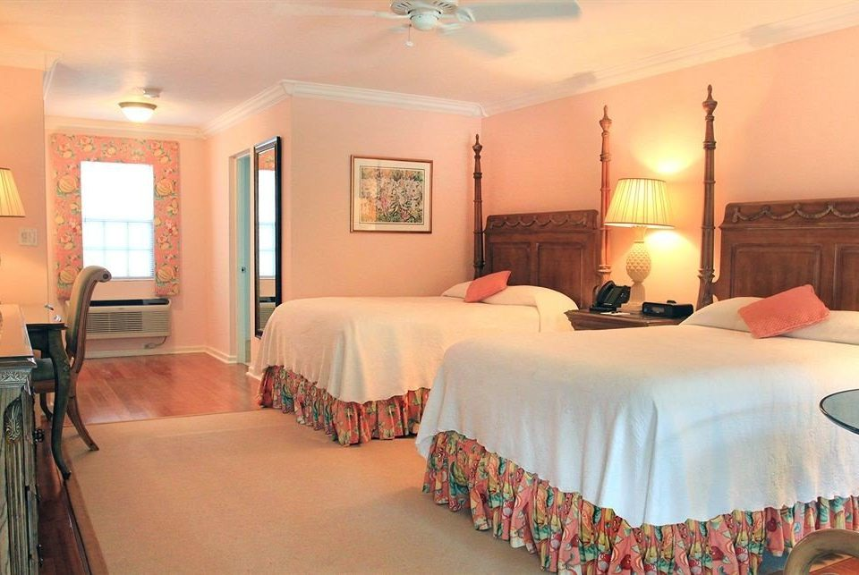 Bedroom Hip Luxury Suite property scene Resort cottage containing