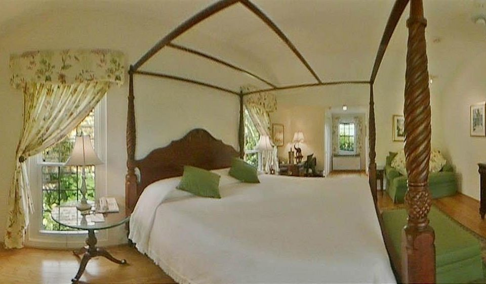 Bedroom Hip Luxury Suite property Villa cottage mansion hacienda living room Resort