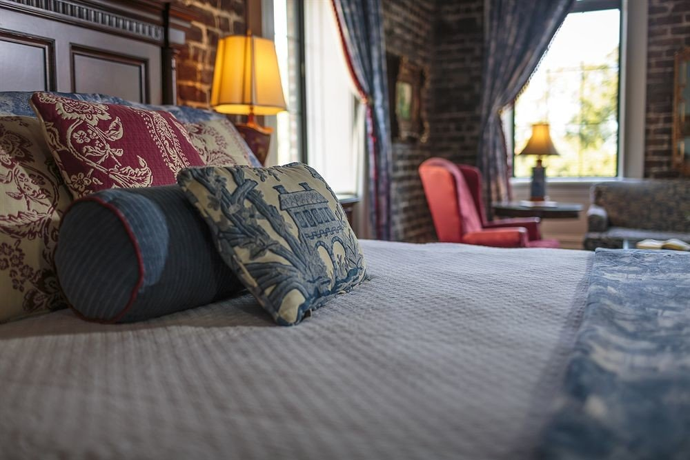 Bedroom Hip Luxury Rustic Suite property living room home flooring cottage