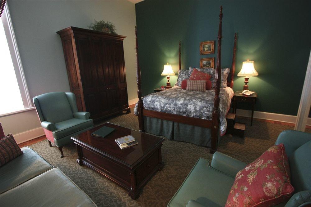 Bedroom Hip Luxury Rustic Suite sofa property building living room cottage home Villa