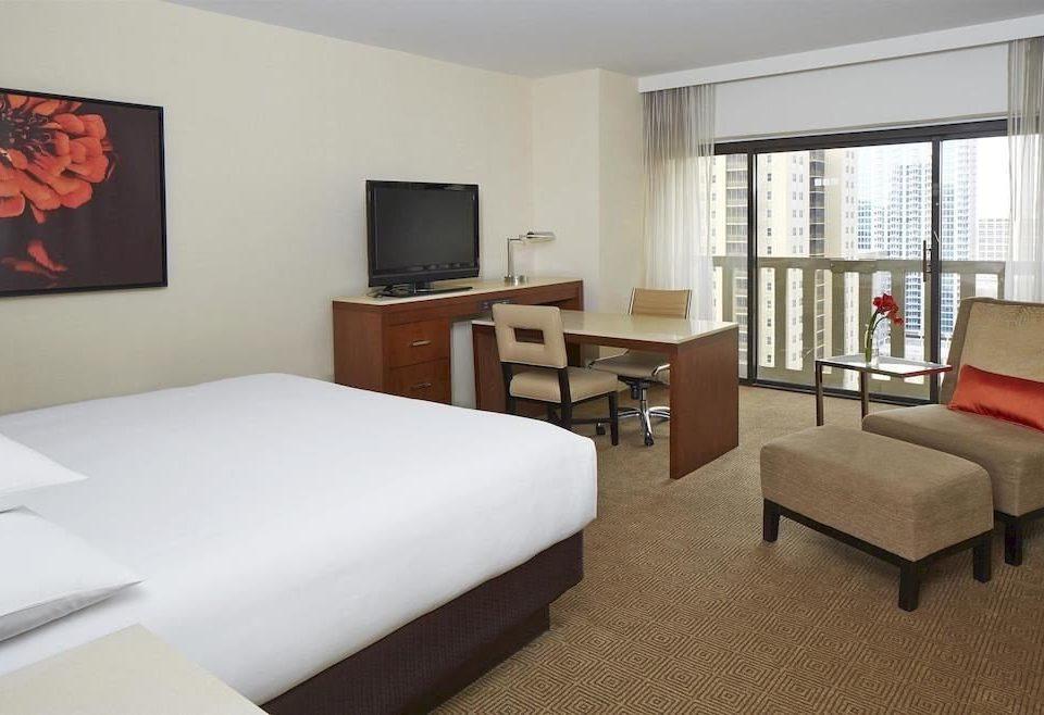 Bedroom Hip Luxury Suite property condominium living room flat