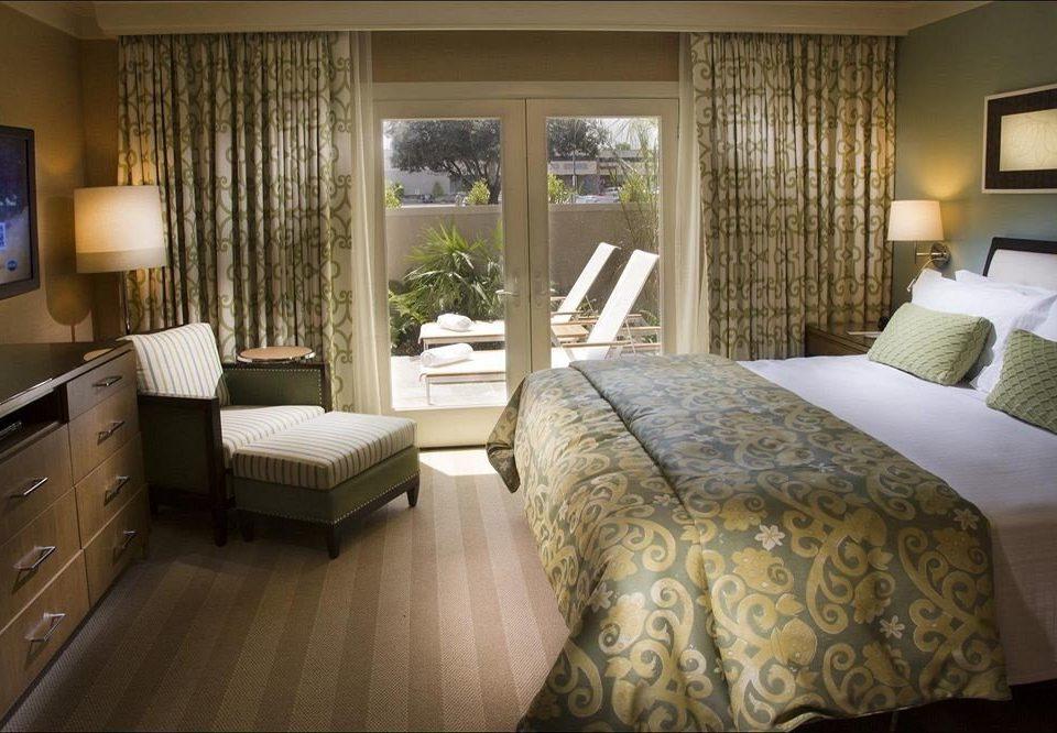 Bedroom Hip Luxury Suite sofa property cottage home living room bed sheet