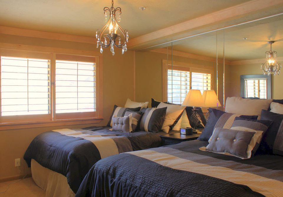 Bedroom Hip Luxury Suite property home living room cottage hardwood